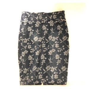 Guess jean floral skirt size 27